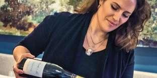 Au Comice,Etheliya Hananova fait la part belle aux vins étrangers et aux champagnes de vignerons.