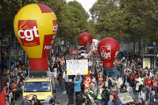 Un cortège parisien clairsemé, pour protester contre la réforme du travail jeudi 19 octobre.