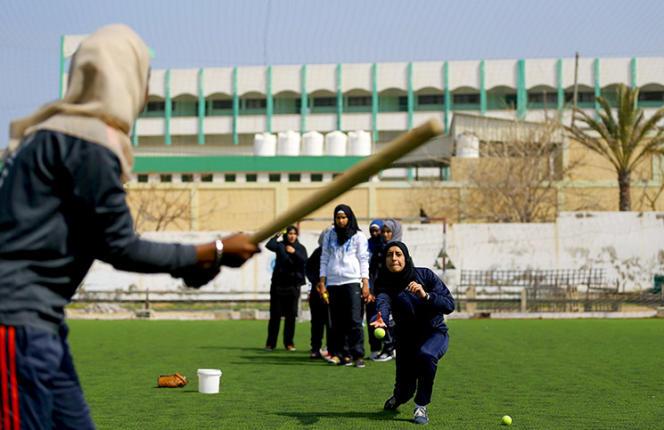 Entraînement de l'équipe féminine de base-ball à Gaza.
