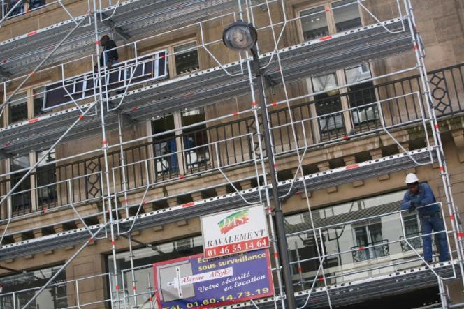 «Le chantier des rénovations des bâtiments doit encore accélérer: 400000 ont été réalisées en2016, alors qu'il faudrait 500000 rénovations performantes par an avant 2035, puis 750000 chaque année, entre 2035 et 2050», selon l'Ademe.