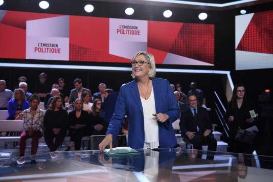 Marine Le Pen sur le plateau de« L'Emission politique», sur France2, jeudi 19octobre.