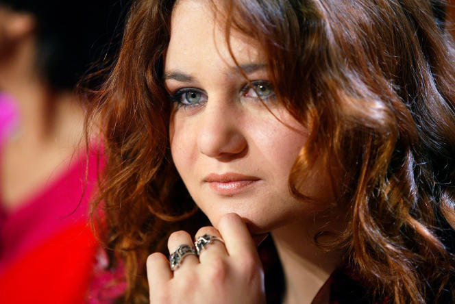Ariane Fornia, de son vrai nom Alexandra Besson, lors de l'émission «Vol de nuit», sur TF1, en 2004.