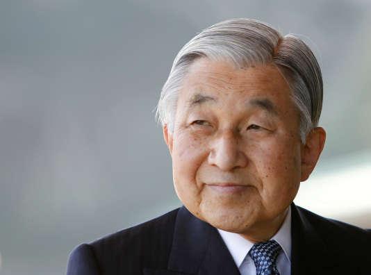 L'empereur du Japon, Akihito, dans son palais impérial de Tokyo, en2011.