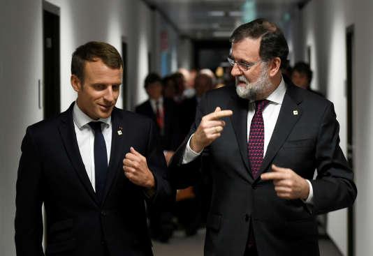 Emmanuel Macron et Mariano Rajoy, à Bruxelles, le 19 octobre 2017.