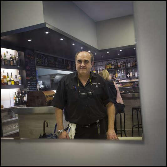 José Perez est le patron du bar restaurant populaire El Timon dans le centre historique de Barcelone.