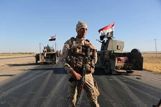 Un soldat des forces irakiennes à Altun Kupri, près d'Erbil, le 19 octobre.