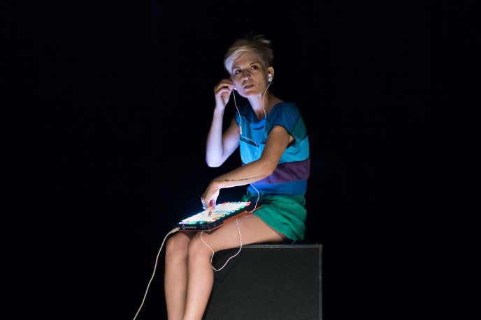 La comédienne Armelle Dousset dans «blablabla».