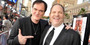 Quentin Tarantino et Harvey Weinstein à Hollywood (Californie), en août 2009. « J'en savais suffisamment pour réagir plus que ce que je n'ai fait », a reconnu le réalisateur de « Pulp Fiction» dans un entretien publié par le «New York Times», jeudi 19 octobre, suite aux soupçons d'agressions sexuelles qui entourent son producteur.