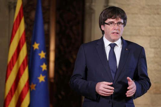 Le président indépendantiste de Catalogne, Carles Puigdemont, lors d'un discours samedi 21 octobre.