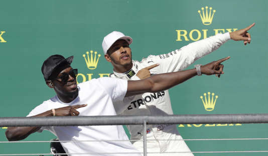 Un homme très rapide, et Lewis Hamilton.