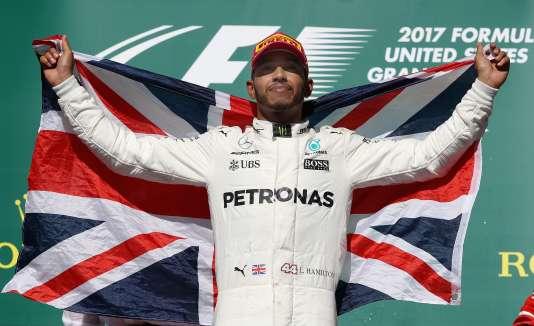 Lewis Hamilton, ici après sa victoire à Austin le 22 octobre, a décroché un quatrième titre de champion du monde de F1.