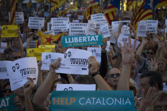 Lors d'une manifestation à Barcelone demandant la libération des«deux Jordis» (Cuixart et Sanchez).