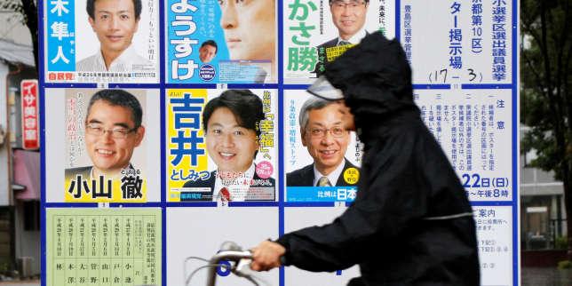 Le scrutin s'est déroulé sous des trombes d'eau et des vents parfois violents, signes annonciateurs du typhon Lan.