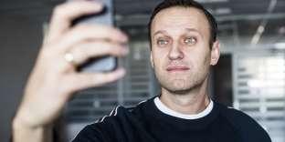 Dans son message, l'avocat et blogueur anticorruption de 41 ans a précisé en plaisantant que pendant son séjour en prison il avait lu vingt livres, appris quelques mots de kirghize et but 80 litres de thé.