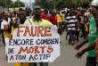 Un Togolais manifeste, le 23 octobre 2017, dans les rues de Lomé à l'appel de l'opposition.