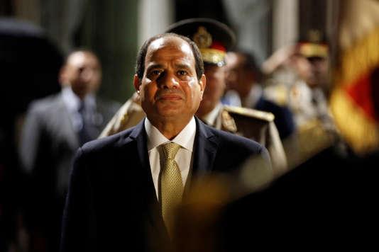 Le président égyptien Abdel Fattah Al-Sissi , au ministère de la défense, à Paris, le 23octobre.