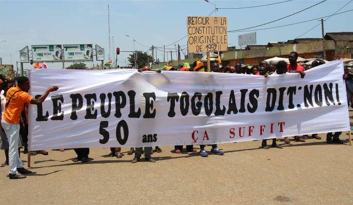 Manifestation à Lomé contre le régime du président Faure Gnassingbé, qui dirige le Togo depuis 2005.