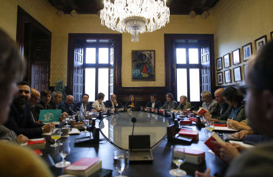 Les indépendantistes, majoritaires au Parlement de Catalogne, ont annoncé lundi qu'ils prévoyaient la tenue d'une séance plénière de cette assemblée dès jeudi.