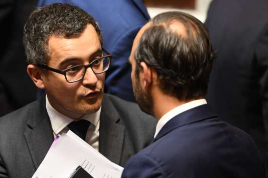 Le ministre de l'action et des comptes publics, Gérald Darmanin, et le premier ministre, Edouard Philippe, après une séance de questions au gouvernement à l'Assemblée nationale, mardi 24 octobre.