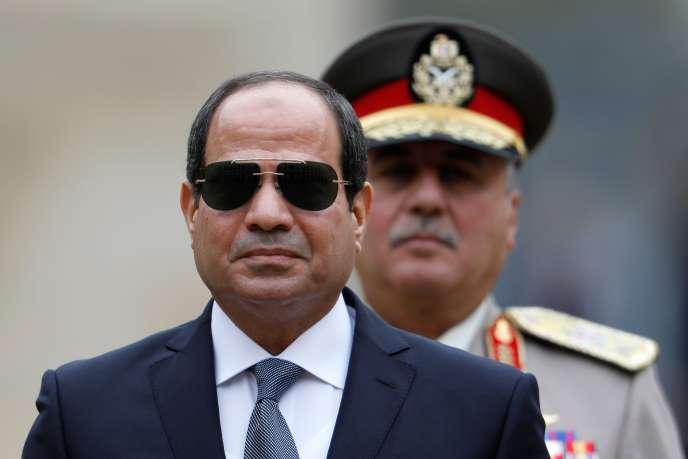 Le président égyptien Abdel Fattah al-Sisi aux Invalides à Paris le 24 octobre.