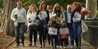 Des amis et des proches de Sophie Lionnet ont marché à Wimbledon, le 8 octobre 2017, pour réclamer justice.