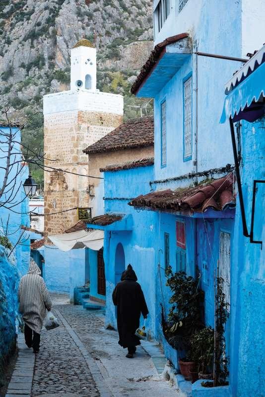 Dans les rues de la cité berbère de Chefchaouen, au Maroc.
