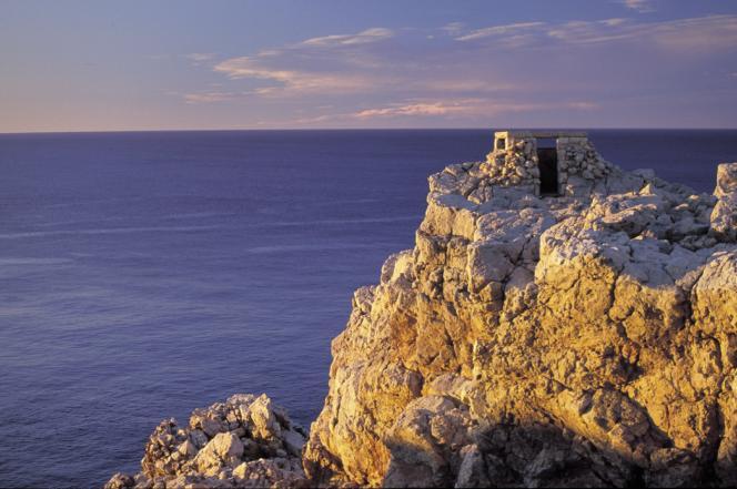 Au nord-ouest de l'île, la Punta Nati offre un panorama exceptionnel au coucher du soleil.