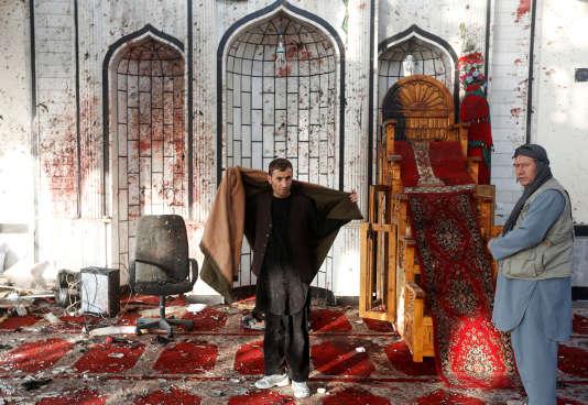 Dans la mosquée chiite de Kaboul, après l'attaque du 20 octobre, qui a fait 56 morts.