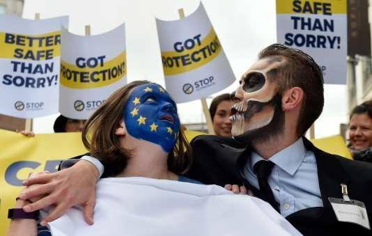 Manifestation contre la réautorisation du glyphosate, à Bruxelles le 25 octobre.