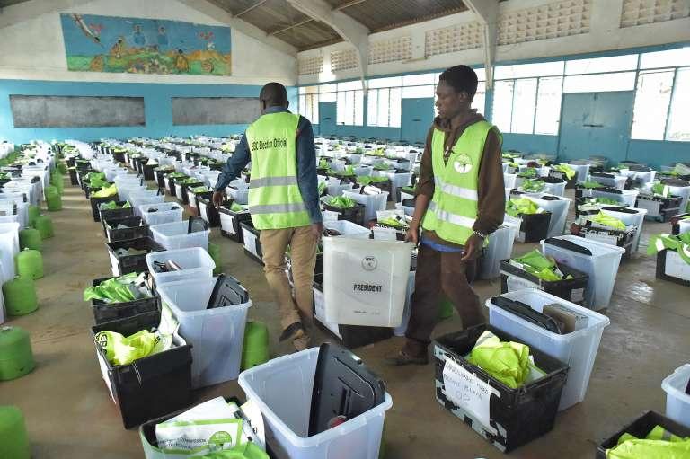 La commission électorale indépendante prépare malgré le tout le scrutin qui doit se tenir le 26 octobre.
