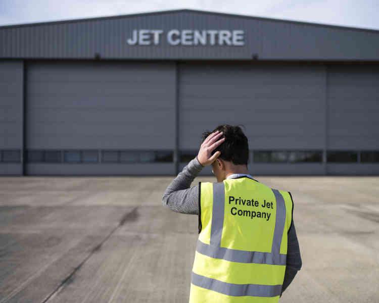 Joshua Risker est l'un des responsables du jet centre de l'aéroport de l'île de Man:«On vient ici pour éviter la TVA», affirme-t-il.
