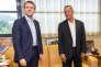 Emmanuel Macron, alors candidat à la présidentielle, et Rodolphe Alexandre, président de la Collectivité territoriale de Guyane, à Cayenne, le 20 décembre 2016.
