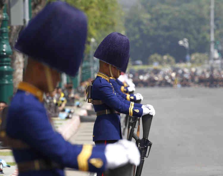 Tout le pays a observé une année de deuil à la mémoire du souverain.