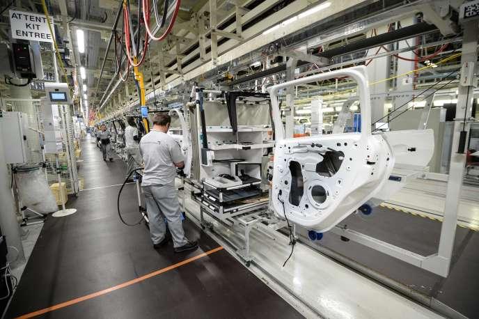 Dans l'usine PSA de Mulhouse, le 10 octobre.