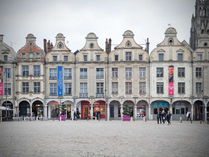 Place des Héros, à Arras, le 25 octobre.
