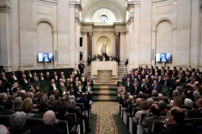 L'Académie française réunie en séance publique, le 1er décembre 2016 à Paris.