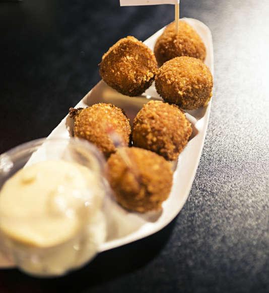 Les croquettes de chez De BallenBar sont à déguster à Foodhallen.