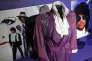 Un costume de la période «Purple Rain»présenté lors de l'exposition« My Name is Prince» à Londres.