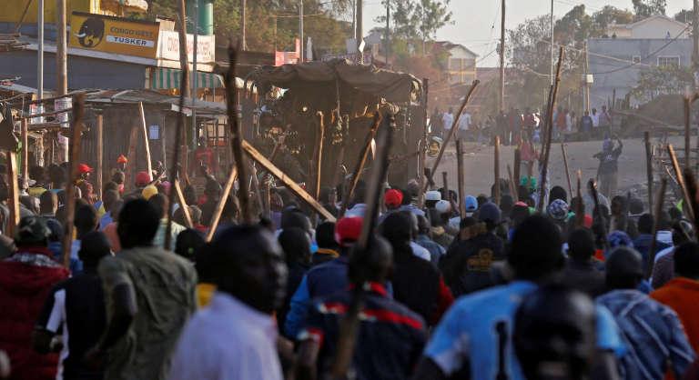 Les heurts ont été violents à Nairobi, le 27 octobre, entre les partisans du président sortant et l'opposition.