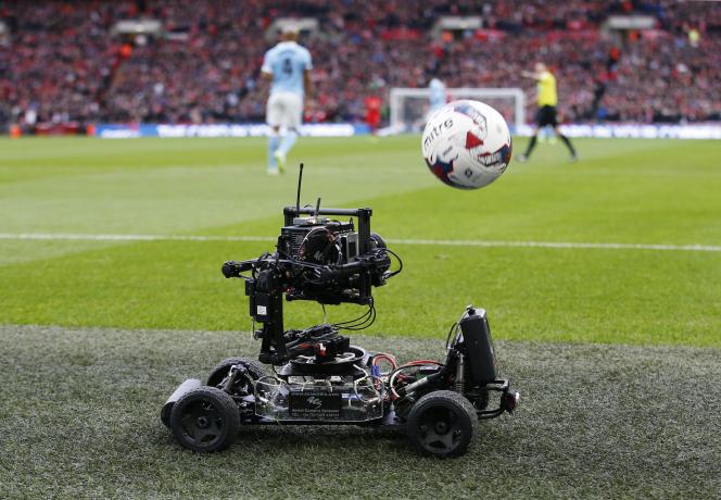 Caméra de bord de touche lors d'un match entre Liverpool et Manchester, en février 2016.