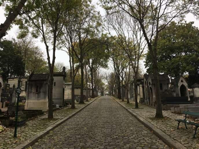 «Elles soutiennent qu'elles ne sont pas les petites-nièces du poète mais ses petites-filles (…). Une fois cette vérité prouvée, elles s'opposeront au transfert de sépulture» (Photo: cimetière du Père-Lachaise le 26 octobre).