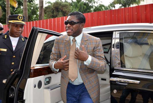 Le fils du président de Guinée équatoriale, Teodorin Obiang, arrive, pour son anniversaire, à la cathédrale de Malabo, capitale du pays, le 25juin 2013.