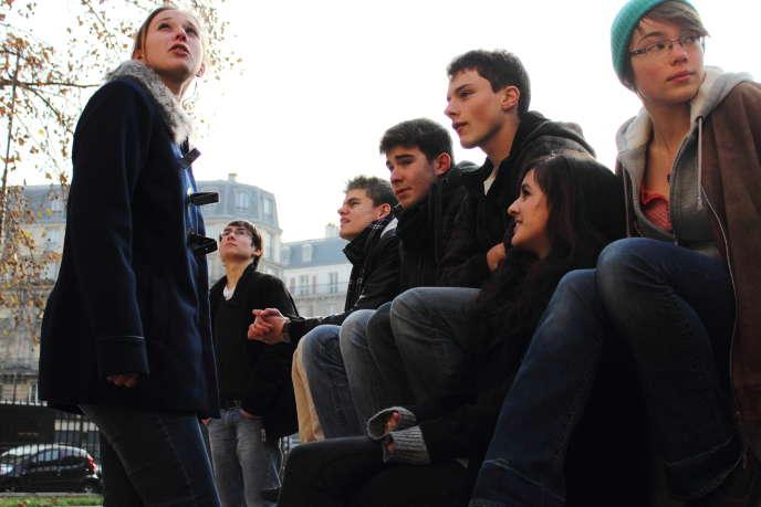 Deux jeunes adultes sur trois cohabitent avec leurs parents entre 18 et 24ans etun sur cinq entre 25 et 29ans, selon l'Insee.