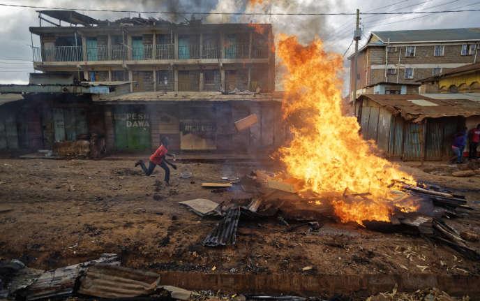 Des violences ont notamment éclaté vendredi 27 octobre, à Nairobi.