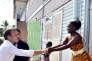 Lors de son déplacement en Guyane (ici le 26octobre), Emmanuel Macron s'est dit prêt à procéder à des adaptations constitutionnelles.