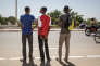 De gauche à droite, Mokrane, 17 ans, Ibrahim, 14 ans et Mahamat, 22 ans. Les 3 frères ont terminé leurs auditions dans le cadre de la mission Ofpra.