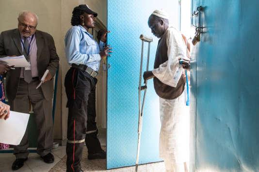 Pendant 4 jours, l'Ofpra a mené plus de 200 entretiens auprès de réfugiés candidats à la réinstallation en France. Cette opération a été menée dans les locaux du HCR à N'Djamena.