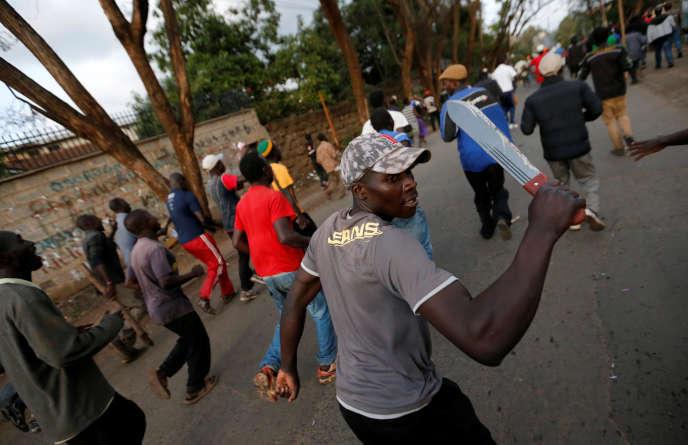 Manifestation dans le bidonville de Kawangware, à Nairobi, le 28 octobre.