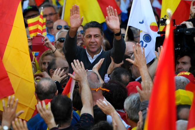 Le chef de file du Parti populaire (PP) en Catalogne, Xavier Garcia Albiol, participe à la manifestation de dimanche favorable à l'unité.