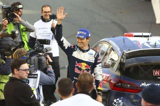 Sébastien Ogier a décroché un cinquième titre de champion du monde des rallyes, dimanche 29octobre, au pays de Galles.